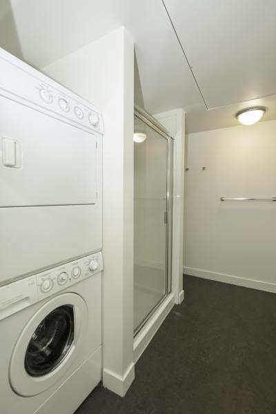 Commons-Bathroom-2